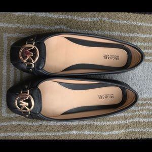 Michael Kors Flat Black leather and Gold Buckle